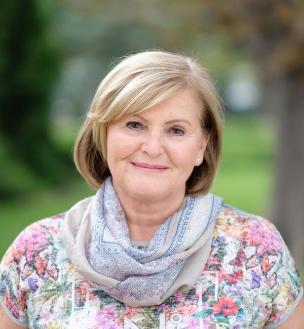 Dr. Pető Erika